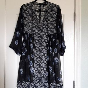 EUC Lucky Dress or cover-up